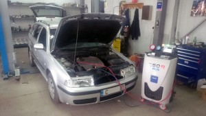 автоклиматик.bg-зареждане-пълнене-ремонт-сервиз-на-автоклиматици (4)